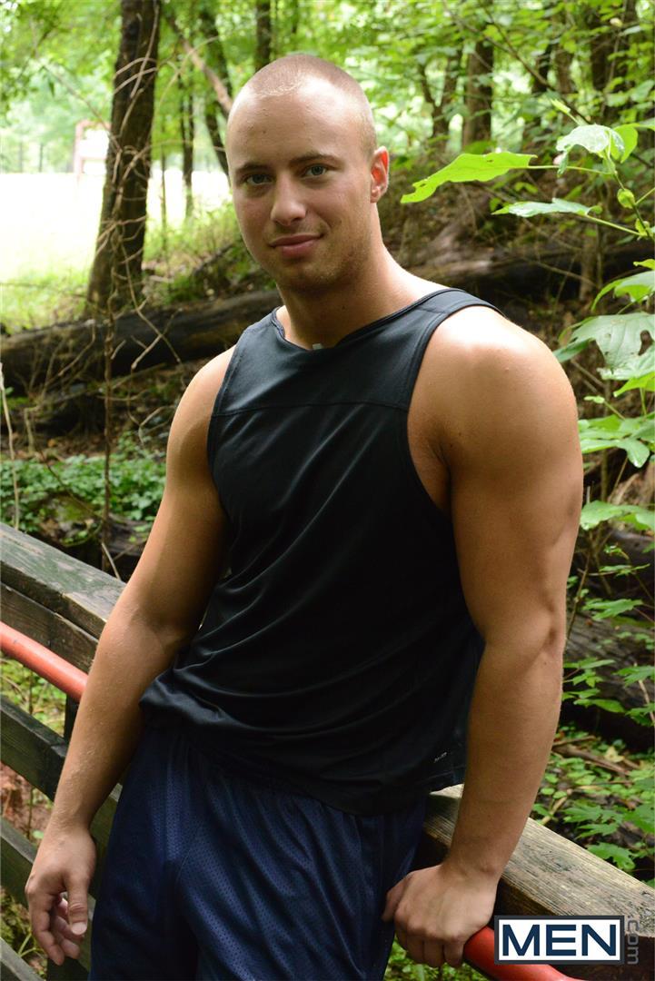 Men.com-Dustin-Tyler-and-Owen-Michaels-Str8-to-Gay-Fucking-In-A-Park-Restroom-Cruising-Amateur-Gay-Porn-01.jpg