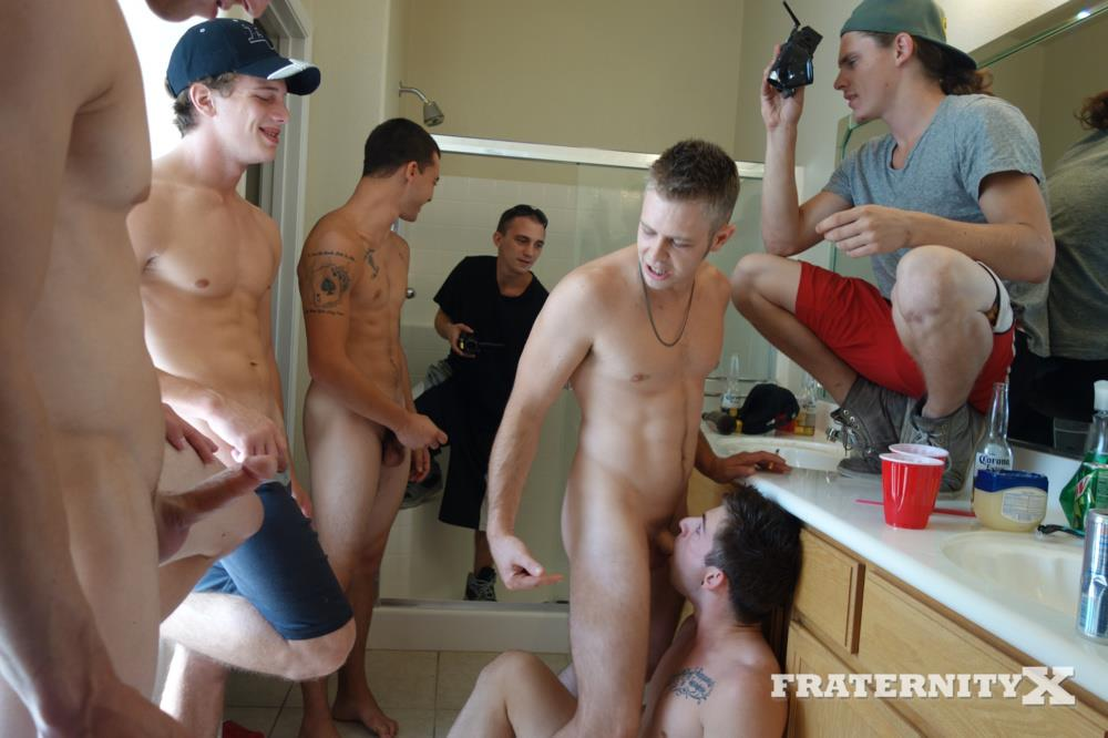 Fraternity-X-Frenchie-Frat-Guys-Bareback-Gang-Bang-In-The-Shower-Amateur-Gay-Porn-04 Real Fraternity Boys Barebacking In The Frat Shower