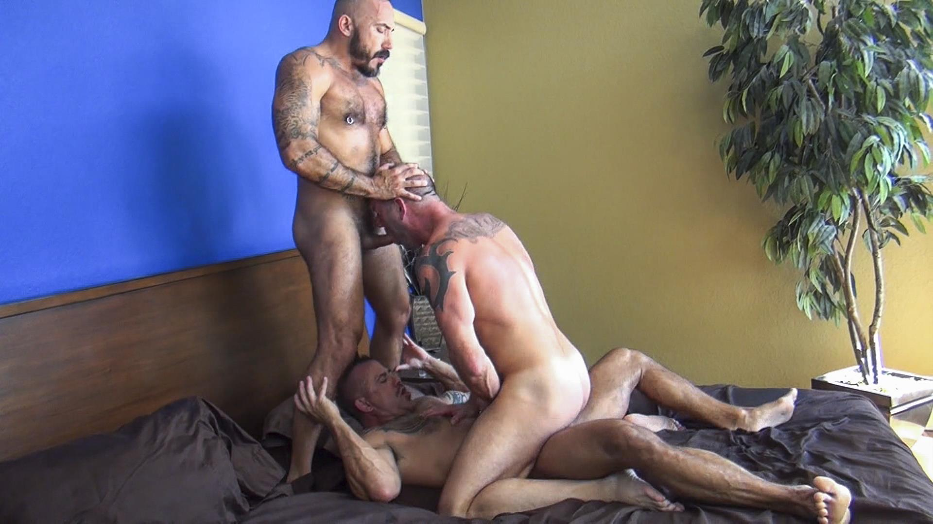 Raw-Fuck-Club-Alessio-Romero-and-Jon-Galt-and-Vic-Rocco-Hairy-Muscle-Daddy-Bareback-Amateur-Gay-Porn-4 Hairy Muscle Daddy Threeway Double Bareback Penetration